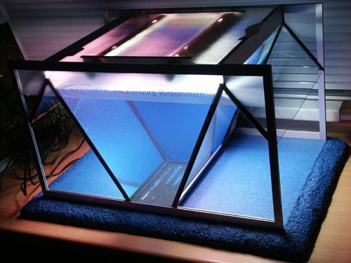 """Bild: Idee und Umsetzung / Das Arnold Design Aquarium """"Mecklenburg-Vorpommern"""" (2006) im Probelauf. Experience The Beauty"""