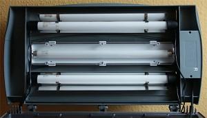 Bild: Tetra AquaArt-Aquarium / Tetra Beleuchtungskasten getunt mit 2 Akardia Freshwater T8 Leuchtstoffröhren und 2 Juwel Reflektoren