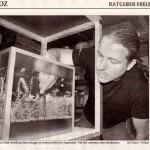 Bild: Pressemitteilungen / Ribnitz-Damgartener Zeitung Wochenendausgabe, 6. / 7. August 2005. Im Bild wird gezeigt, wie ich Foxtrott volume THREE mit einer Pinzette bepflanze. Für das Layout benötigte ich 2 Stunden Arbeit, danach war es perfekt.