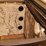 Bild: Licht und Filtertuning / Tetra AquaArt Aquarium (2010) Gut sichtbar, die großzügigen Ansauggitter - 8 cm über Boden beginnend und mit der Wasseroberfläche endend.